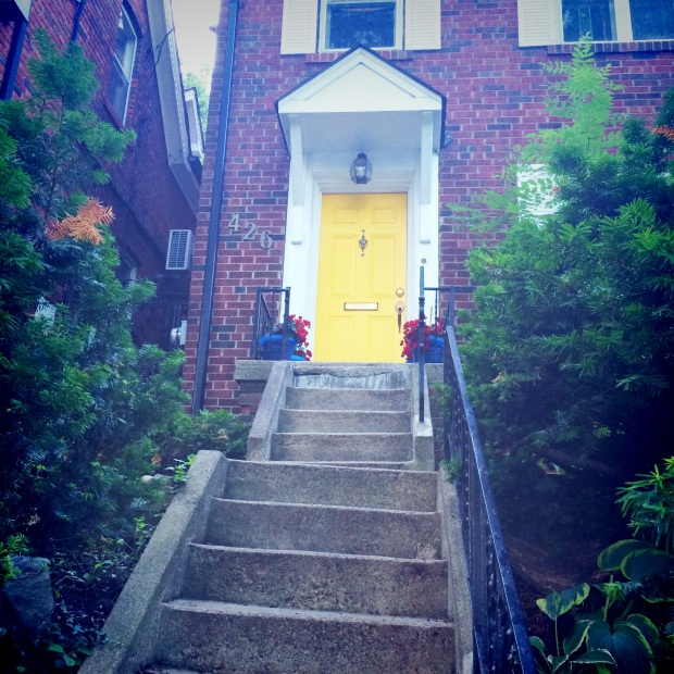 Yellow door spotted on Dupont