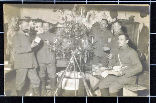ww1-trench-life-3-christmas