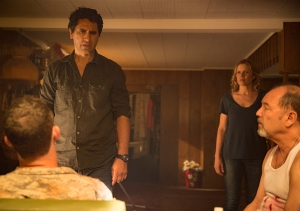fear-the-walking-dead-episode-105-madison-dickens-2-935