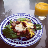 Spinach, eggs & sausage