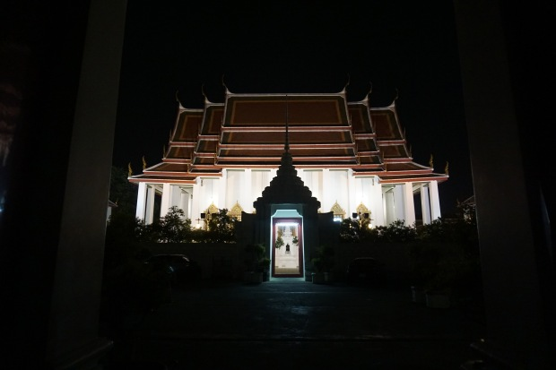 TheKollektive_Bangkok_WatRatchana_01