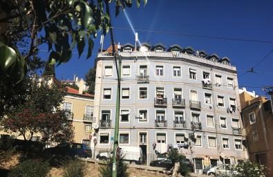Lisbon_Alfama_13-a